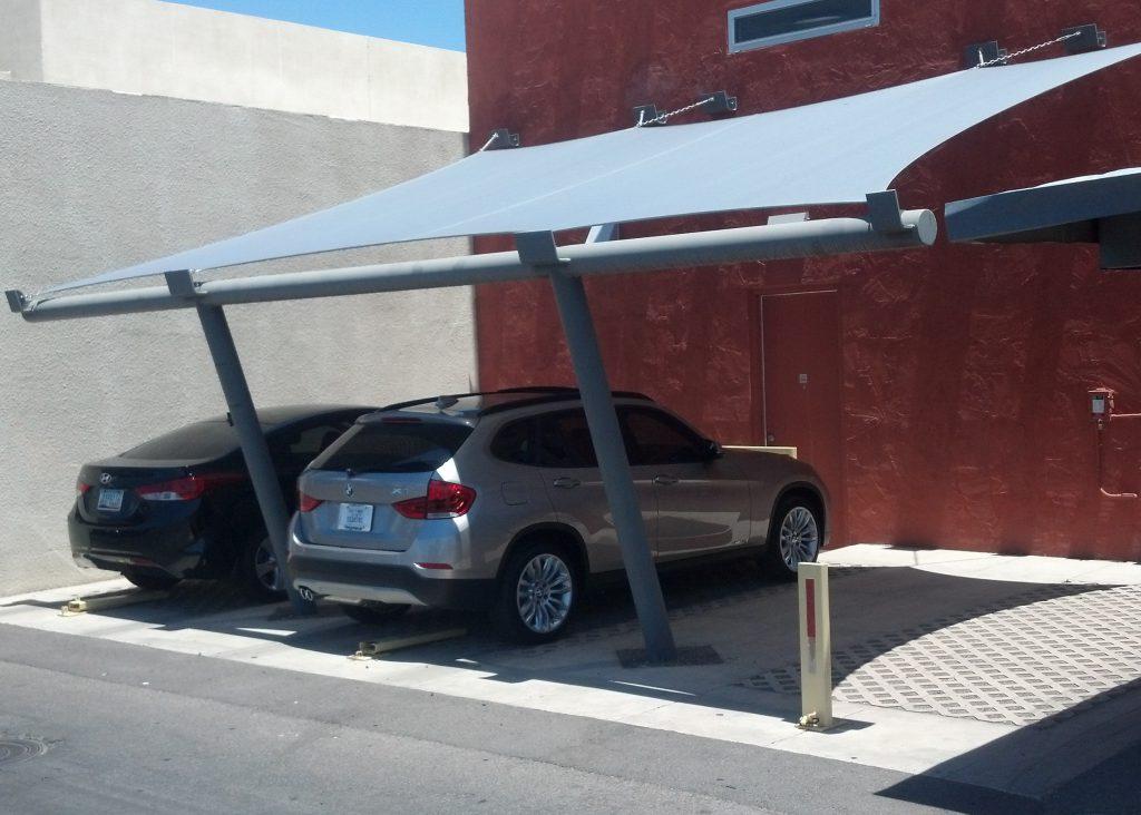 Mái che bạt căng để xe cho gia đình